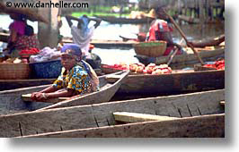 africa, benin, boats, ganvie, horizontal, kid, photograph