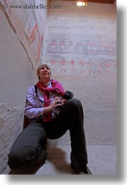africa, cameras, egypt, emotions, gemni, patrick helene, smiles, tombs, vertical, womens, wt people, photograph