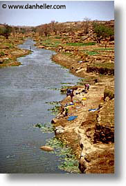 africa, laundry, mali, rivers, subsahara, vertical, photograph