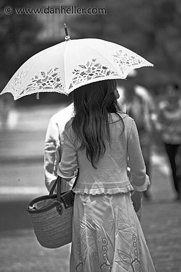 Racing and Umbrella Girls - Custom Cars Gallery - BumpStop.com