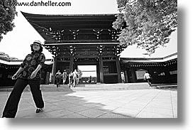 asia, black and white, entry, horizontal, japan, kanto, meiji shrine, shrine, tokyo, walkers, photograph