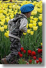 asia, beret, blues, boys, childrens, clothes, colors, flowers, hats, moscow, nature, people, red, russia, tulips, vertical, yellow, photograph