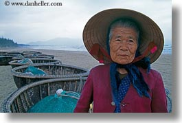 asia, beaches, boats, danang, fishing, horizontal, old, vietnam, womens, photograph