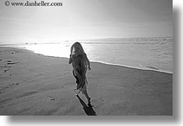 beaches, black and white, california, horizontal, jack jill, jills, marin, marin county, north bay, northern california, ocean, people, scarves, west coast, western usa, photograph