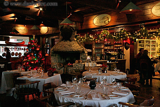 Nicks Cove Restaurant And Christmas Decorations 3