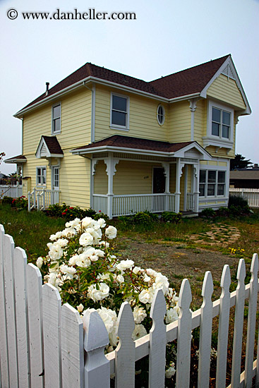 victorian house. yellow-victorian-house-02.jpg