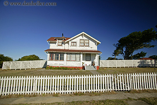 House and fence fences