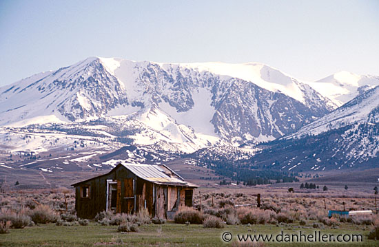 http://www.danheller.com/images/California/Sierras/barn-n-snowy-mountains-2-big.jpg