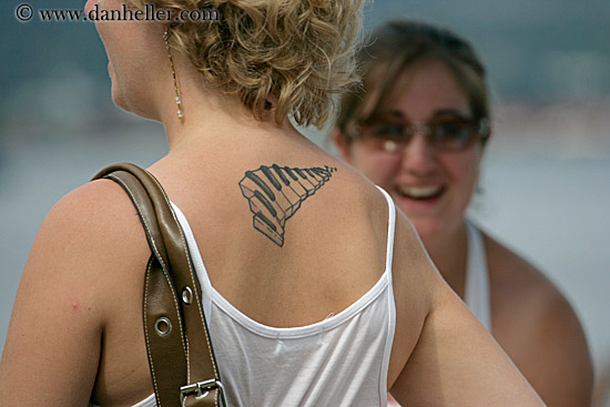 piano-tattoo-women.jpg