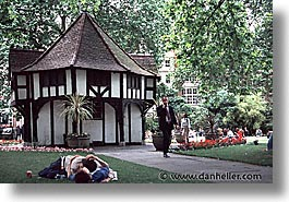 cities, england, english, europe, horizontal, lawn, london, people, smoochers, united kingdom, photograph