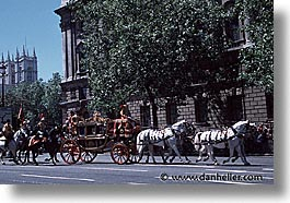 carriage, cities, england, english, europe, horizontal, horses, london, streets, united kingdom, photograph