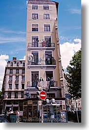 europe, france, lyon, murals, vertical, photograph