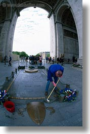 arc de triomphe, europe, france, men, mopping, paris, vertical, photograph