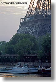 boats, buildings, clouds, eiffel tower, europe, france, nature, paris, rivers, seine, sky, structures, sunrise, towers, transportation, vertical, water, photograph