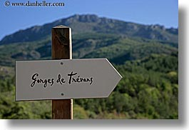 europe, france, gorge de trevans, hiking, horizontal, provence, signs, photograph