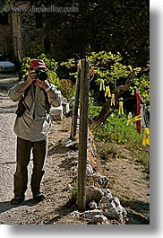 artists, cameras, clothes, europe, france, groups, hats, helanie howard greene, howard, men, people, photographers, provence, vertical, photograph