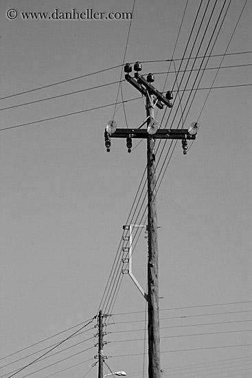 [Image: telephone-pole-n-wires-bw-big.jpg]
