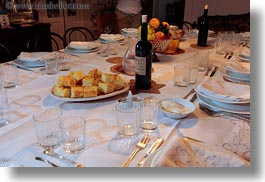 bread, corn, dinner, europe, foods, horizontal, italy, masseria murgia albanese, noci, puglia, tables, photograph