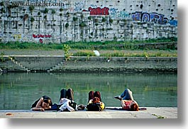 backs, europe, girls, horizontal, italy, people, rivers, rome, photograph