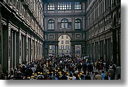 buildings, crowds, europe, florence, horizontal, italy, museums, people, tuscany, uffizio, photograph