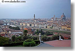 brides, cities, cityscapes, couples, europe, florence, groom, horizontal, italy, men, tuscany, womens, photograph