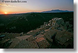 cityscapes, europe, horizontal, italy, sorano, sunsets, towns, tuscany, photograph