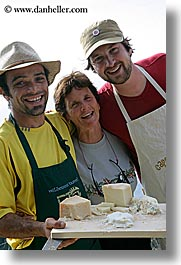 ann, apron, cheese, europe, foods, happy, hats, italy, laugh, leaders, men, picnic, roberto, tourists, tuscany, vertical, william, womens, photograph