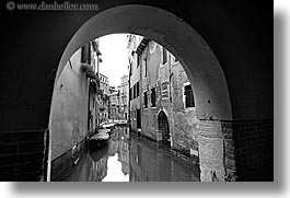 black and white, boats, canals, europe, horizontal, italy, slow exposure, tunnel, venecia, venezia, venice, photograph