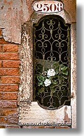doors & windows, europe, italy, venecia, venezia, venice, vertical, win, photograph