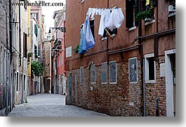 clothes, europe, hanging laundry, horizontal, italy, laundry, venecia, venezia, venice, photograph