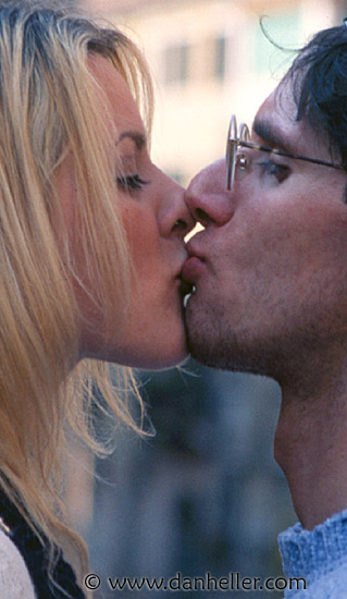 kissing images of couples. kissing-couple-closeup.jpg