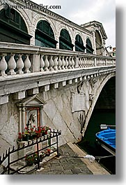 bridge, europe, italy, rialto, rialto bridge, shrine, venecia, venezia, venice, vertical, photograph