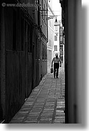 alleys, black and white, europe, italy, men, streets, venecia, venezia, venice, vertical, photograph
