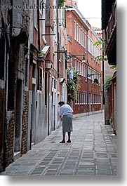 europe, italy, streets, sweeping, venecia, venezia, venice, vertical, womens, photograph