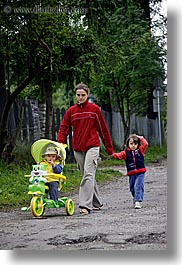 childrens, europe, mothers, people, poland, vertical, zakopane, photograph