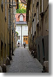 couples, europe, ljubljana, men, narrow, pedestrians, slovenia, streets, towns, vertical, walking, womens, photograph