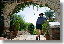 archways, europe, happy, hats, horizontal, lori, tourists, turkeys, under, womens, photograph