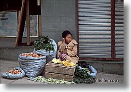 bolivia, horizontal, la paz, latin america, people, veggie, vendors, photograph
