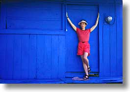 artsie, blues, costa rica, horizontal, houses, latin america, red, womens, photograph