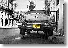 black and white, caribbean, cars, cuba, havana, horizontal, island nation, islands, latin america, south america, photograph