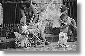 abreast, caribbean, cuba, havana, horizontal, island nation, islands, latin america, people, south america, things, womens, photograph