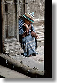 beggar, ecuador, equator, latin america, people, quito, senior citizen, vertical, womens, photograph
