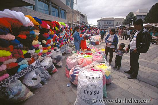 Yarn Market : yarn-market.jpg ecuador, equator, horizontal, images, latin america ...