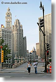 america, buildings, chicago, cityscapes, illinois, north america, pedestrians, streets, united states, vertical, photograph