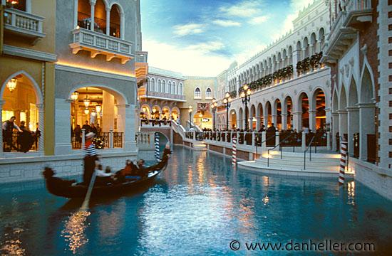 Venetian 5